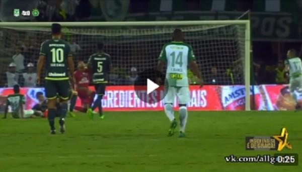 Необычный гол в матче Атлетико Насьональ – Шапекоэнсе