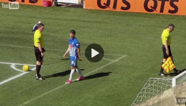 Арбитр показал красную карточку своему помощнику в матче чемпионата Шотландии по футболу