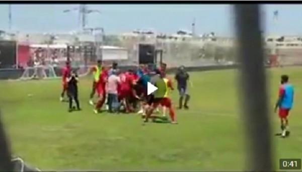 Фанаты Хапоэля из Тель-Авива подрались с игроками на тренировке