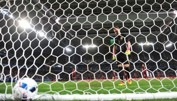 Аргентинский вратарь забил ударом от своих ворот