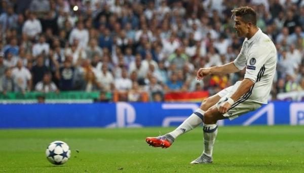Криштиану Роналду забил 400-й гол за Реал