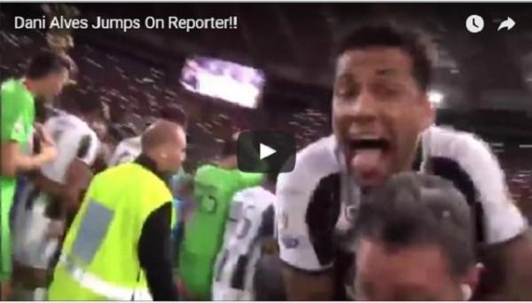 Алвес запрыгнул на репортера после победы в Кубке Италии