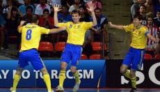 Фото с официального сайт ФИФА Денис Овсянников (№11) радуется голу за сборную Украины на ЧМ-2012